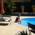 Die ersten Tage - Am Pool unserer ersten Unterkunft